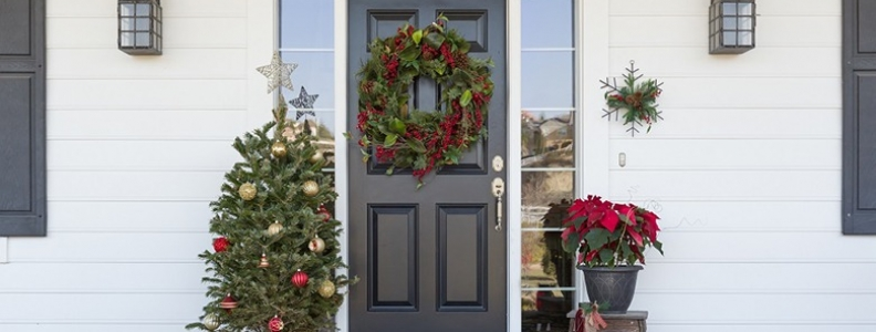 How to dress your doorstep for Christmas Day